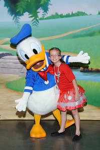 Character Dinner - Donald Duck