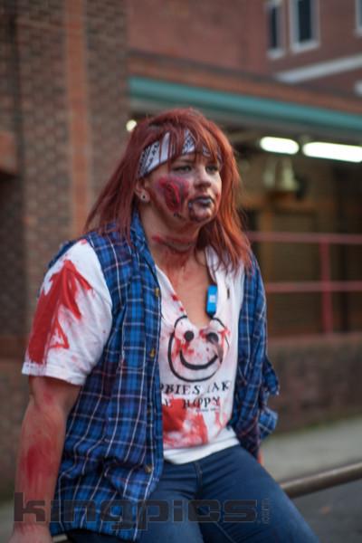 ZombieWalk2012131012184.jpg