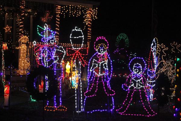 Billerica Christmas lights 120518 121318