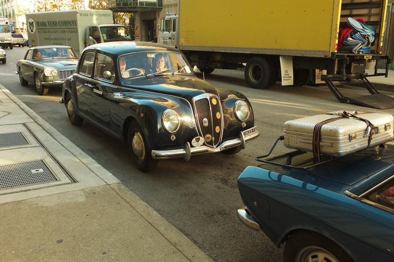 B21 (early sedan). Note the luggage rack on the Fulvia!