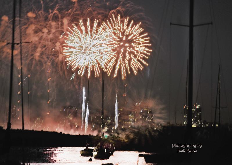 Double fireworks _2861.jpg