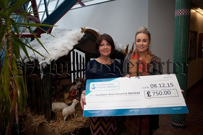 Moria Magee Chairperson Our Lady's PPU presents a cheque for £750 to Lisa Hamill from Southern Area Hospice following a recent successful Crafternoon held in the school. The committee wish to thank all of the craft exhibitors, local shops, bakeries and everyone who supported the event. R1551001