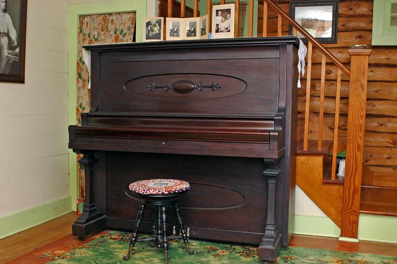 Living Room 1 | Big Cabin
