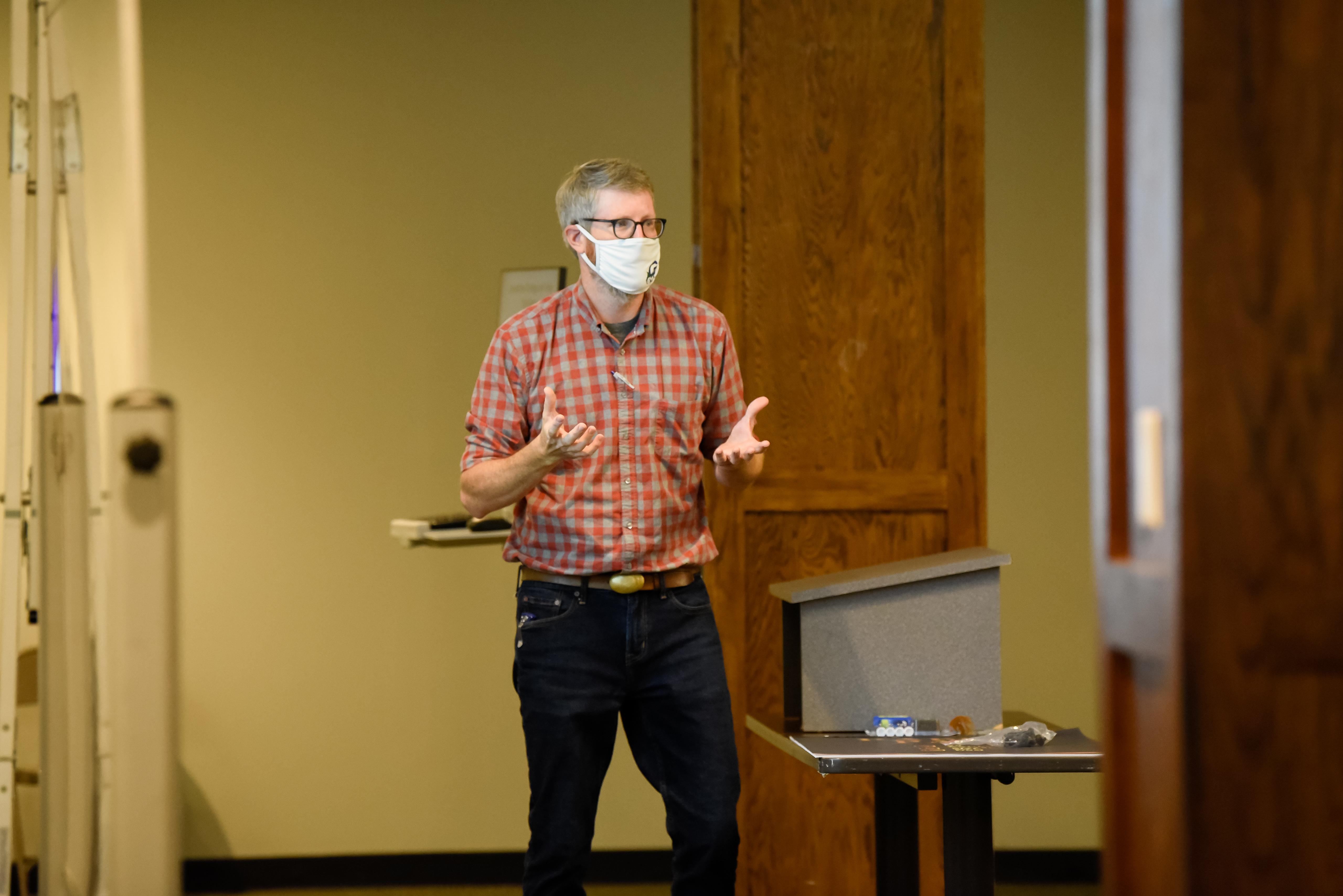 Brad Fowler teaches his class.