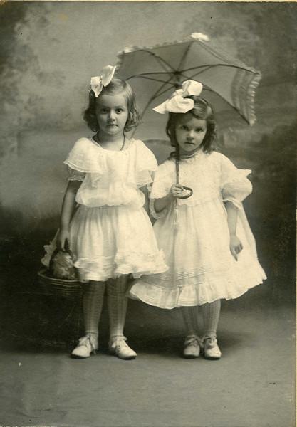 Jones-Margaret - portraits most in paper frames