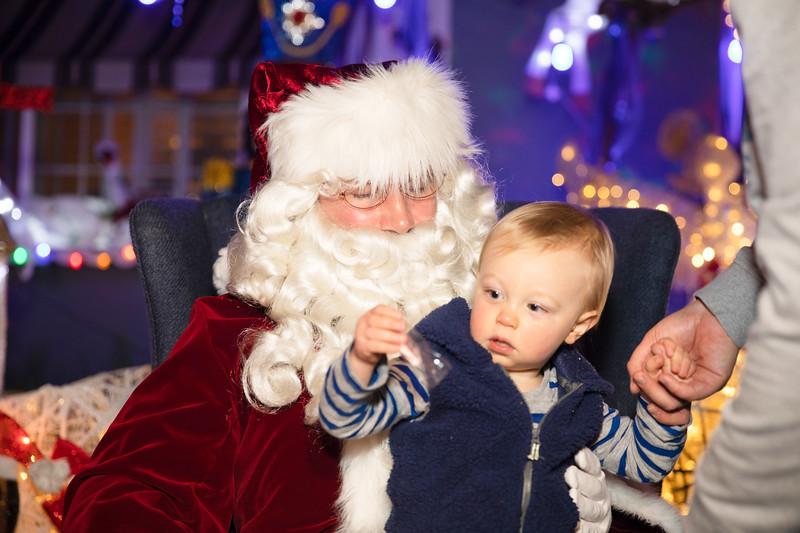 12-08-19-Christmas With Chris & Family-38.jpg