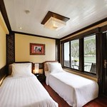 paradise-luxury-cruise-halong-bay.jpg
