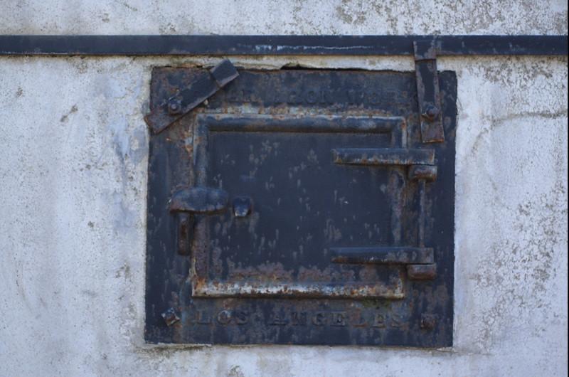 EvergrenCemetery024-IronLosAngeles-2006-09-11.jpg