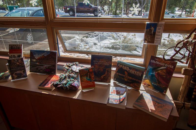 Grand-Canyon-Book-store.jpg