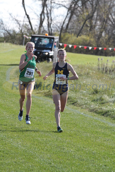 Women at 2 mile mark - 2016 NCAA D1 XC Great Lakes Regional