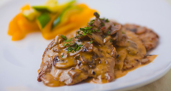 piccolo-scaloppine marsala.jpg