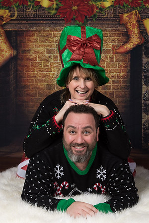John & Jodi  Merry Mini Session