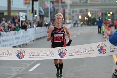 Half Marathon Finish, Gallery 1 - 2013 Detroit Free Press Marathon