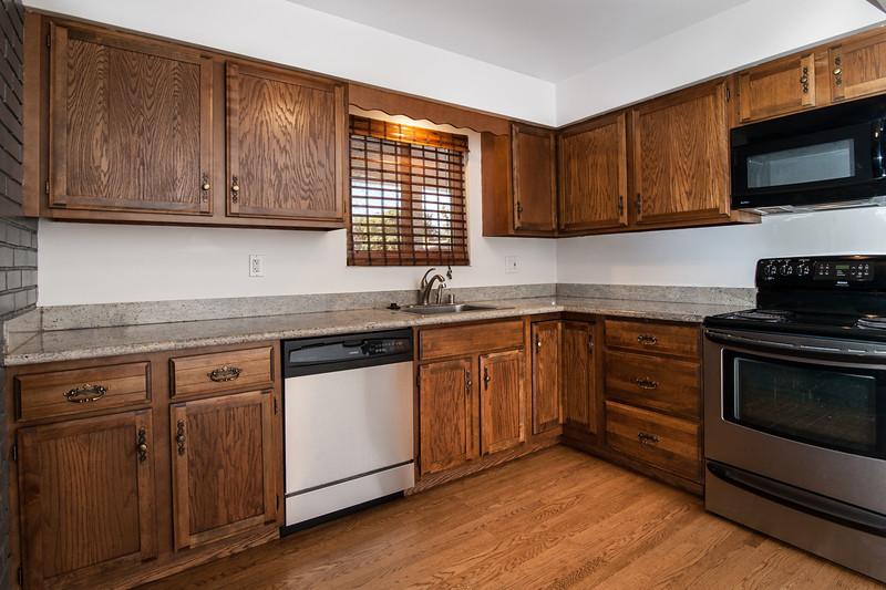 kitchen (5 of 6).jpg