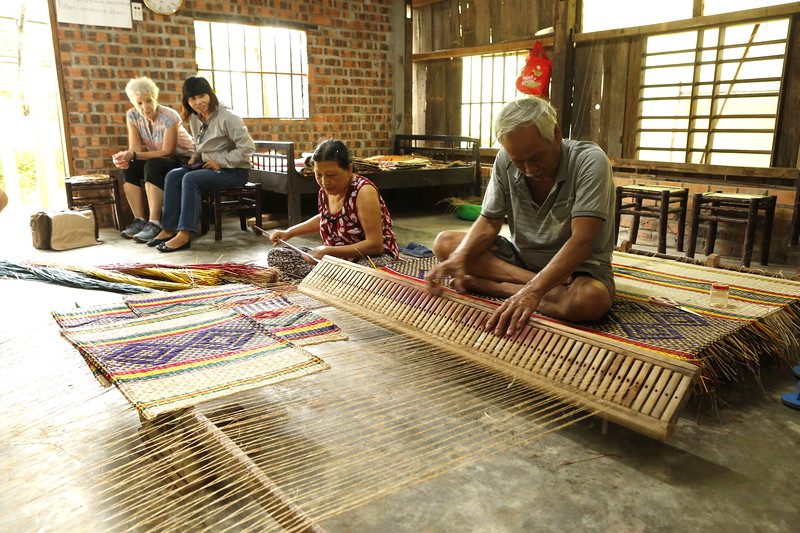 Textile Mat Weaving with loom