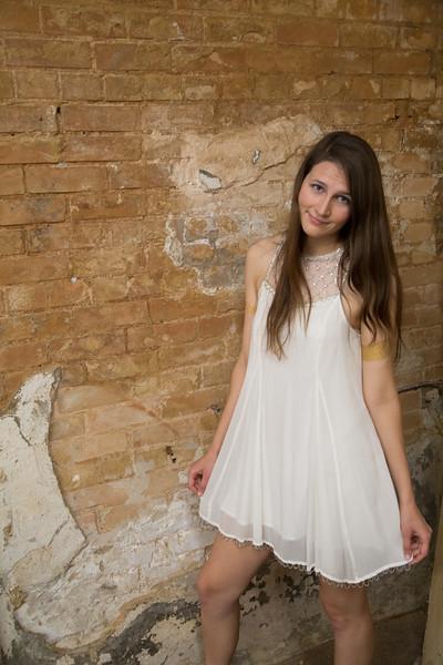 Meagan Senior Pics-1168.jpg
