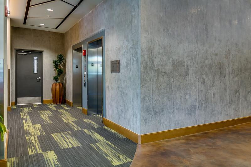 Corridor-IMG_0644_enf.jpg