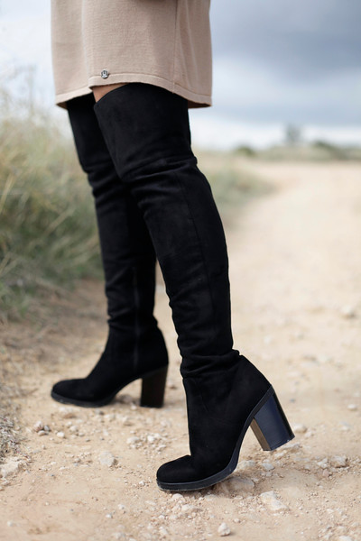 010_fringed_dress_and_long_boots_fashion_blogger_barcelona_theguestgirl.jpg