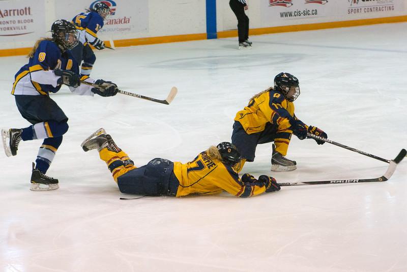 20130310 QWHockeyvsUBC 246.jpg