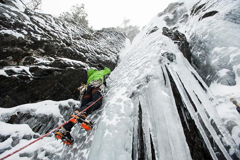 Joe Blais Ice climbing les Diablerettes WI 4 + Shawbridge, Prevost, Quebec.