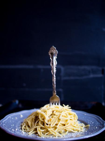 Spaghetti Aglio Olio fork in pasta.jpg