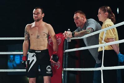 AXC2:B05 - Allan Munroe defeats Jesse Fox