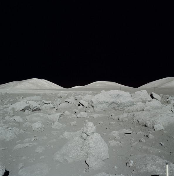 AS17-145-22174HR.jpg