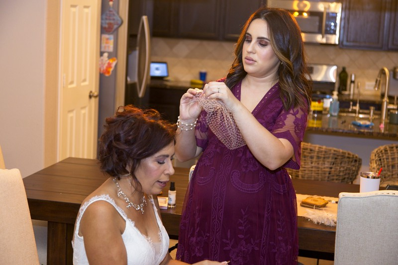 112020_Wedding-180647-GettingReady-0085.jpg