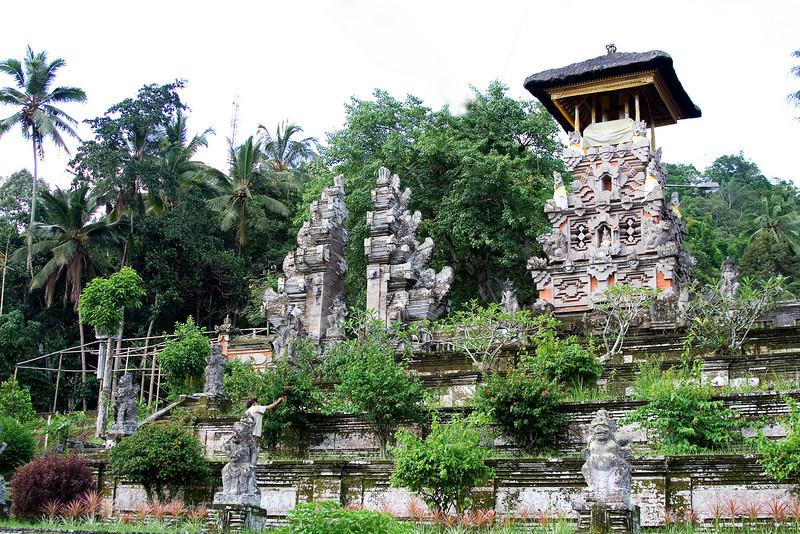 Besakih Temple 3.jpg