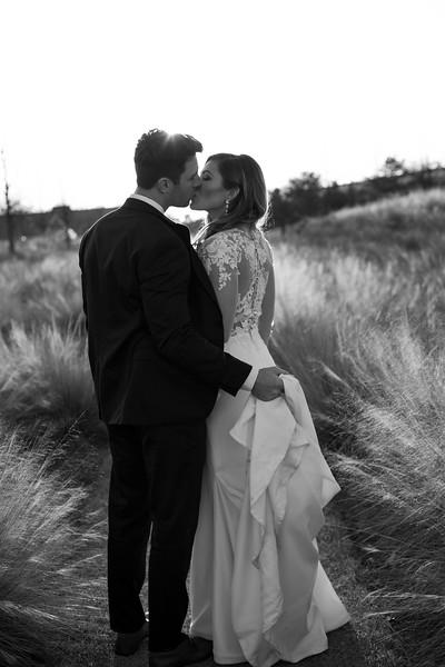 Kate&Josh_B&W_ZACH.WATHEN.PHOTOGRAPHER-434.jpg