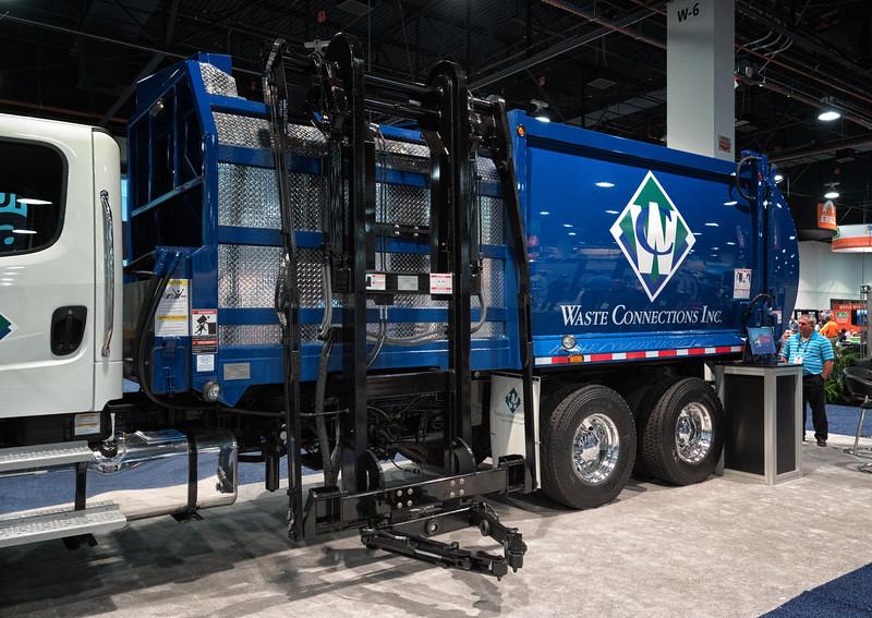 Freighliner SEC Champion Automated Side Loader