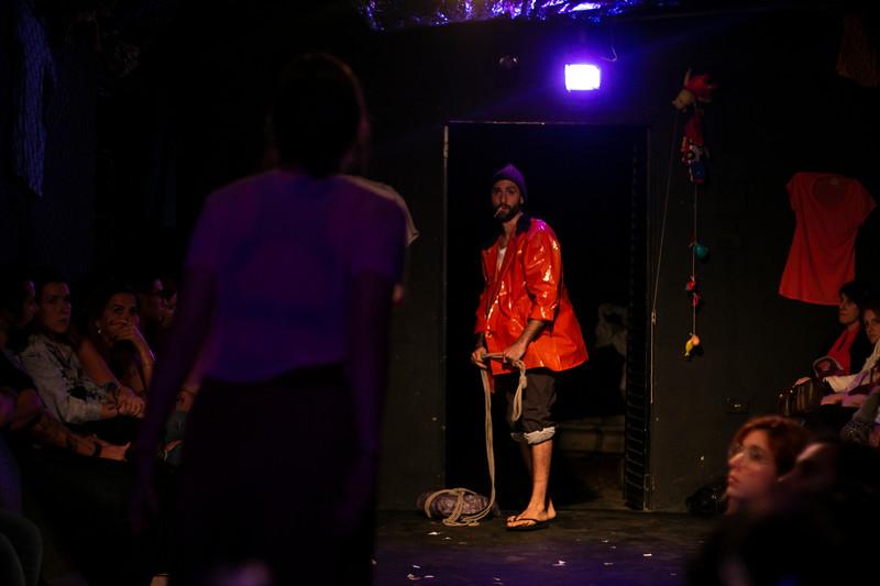 Allan Bravos - Fotografia de Teatro - Indac - Migraaaantes-334.jpg