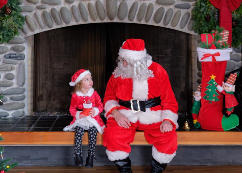 CB Santa 2019-7658.jpg