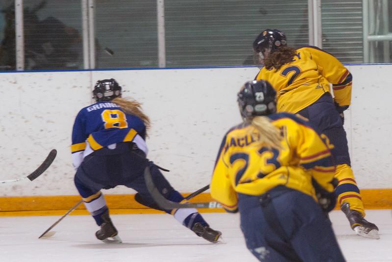 20130310 QWHockeyvsUBC 176.jpg