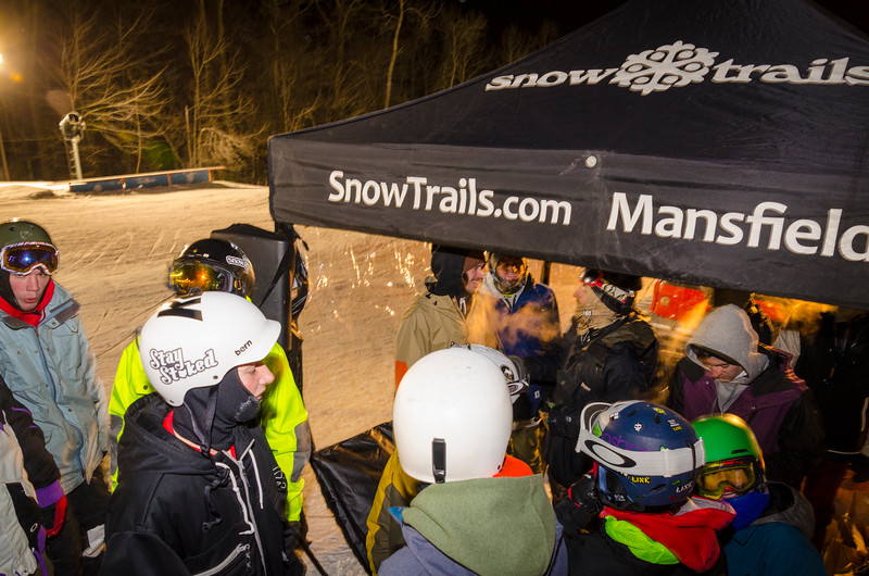 Nighttime-Rail-Jam_Snow-Trails-223.jpg
