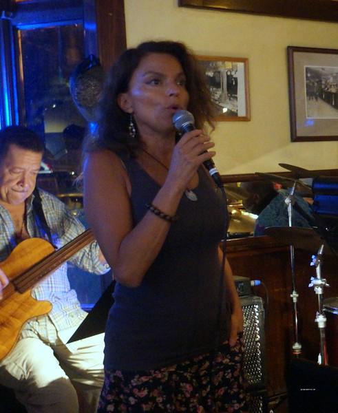 20160825 John Lee Trio Roberta Gambarini Paul Bollenbach 001.jpg