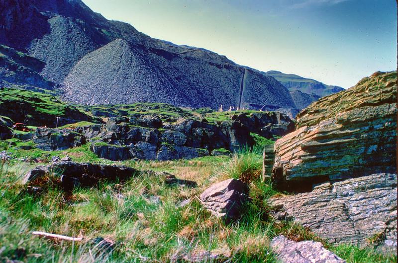 700527 Slate Mine Slag Hills in Blaenau Ffestiniog Wales 8-31.jpg
