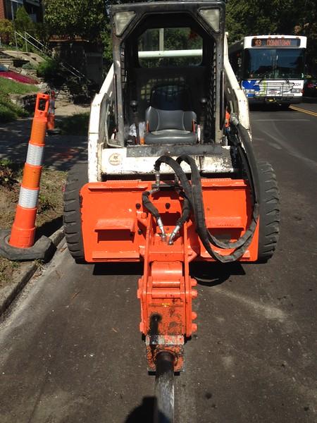NPK PH3 hydraulic hammer on Bobcat Skid Steer (5).JPG