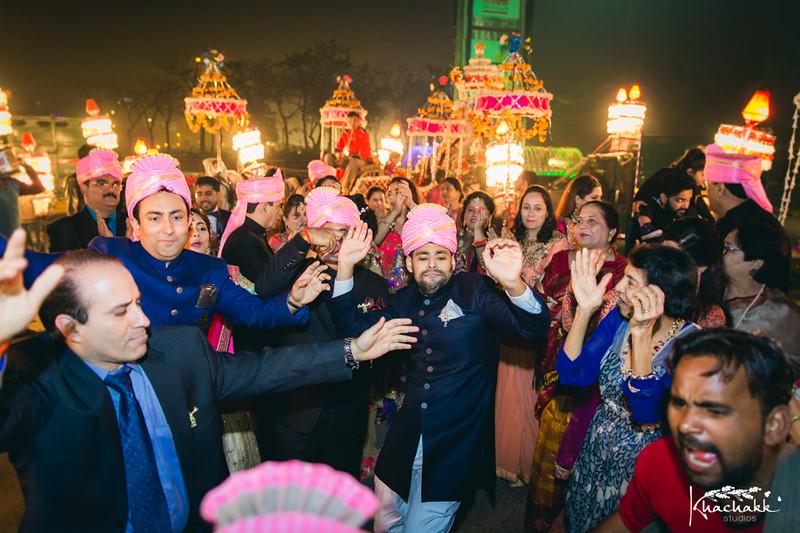 best-candid-wedding-photography-delhi-india-khachakk-studios_45.jpg