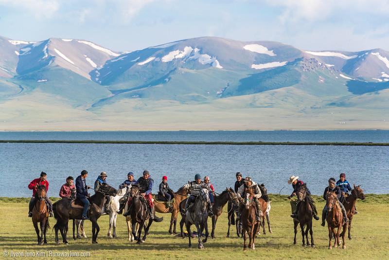 Song Kol Horse Trek-6106841.jpg