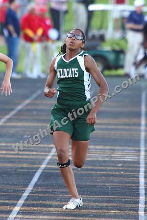 2011 06 02 Girls 200 m Dash Finals