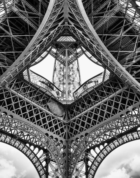 Eiffel_Symmetry.jpg