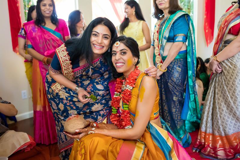 Hina_Pithi_Pooja-200.jpg