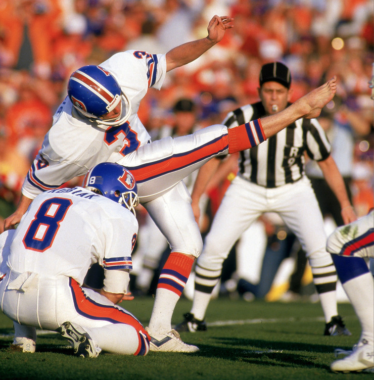. Kicker Rich Karlis #3 of the Denver Broncos attempts a field goal during Super Bowl XXI against the New York Giants at the Rose Bowl on January 25, 1987 in Pasadena, California.   (Photo by George Rose/Getty Images)