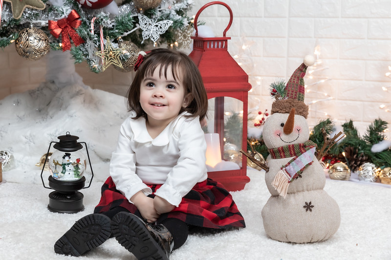 12.21.19 - Fernanda's Christmas Photo Session 2019 - -29.jpg
