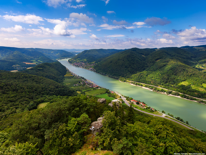 View-from-the-Aggstein-castle-ruins-1600x1200.jpg