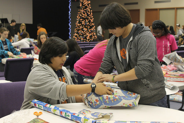 Honor Society Gift Wrapping 2011