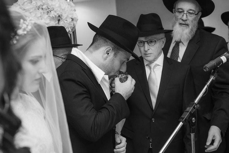 Miri_Chayim_Wedding_BW-593.jpg