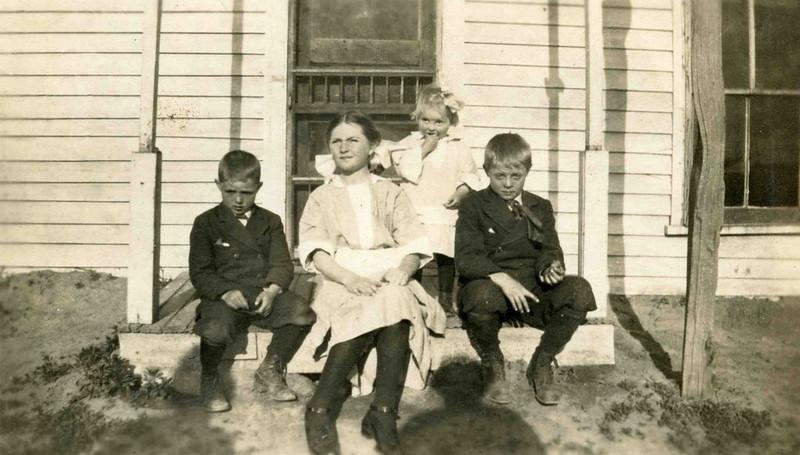 Allen, Muriel, Dorothy, Fred Herdrich