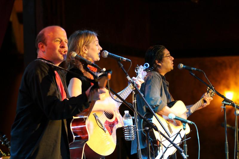 2011.12.12 Suzi Shelton Concertf-46.jpg
